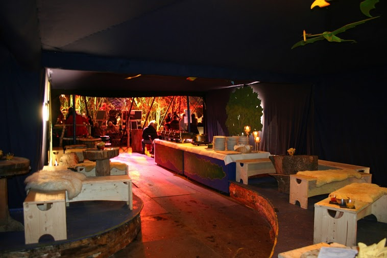 tollwood geheimtipp die drachenlounge 2013. Black Bedroom Furniture Sets. Home Design Ideas
