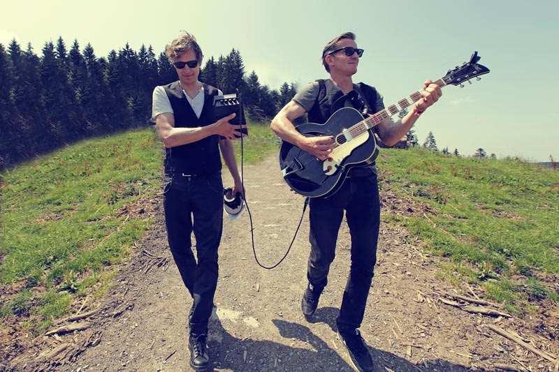 Guten A-Band rockt Ihre Weihnachtsfeier unplugged und verstärkt