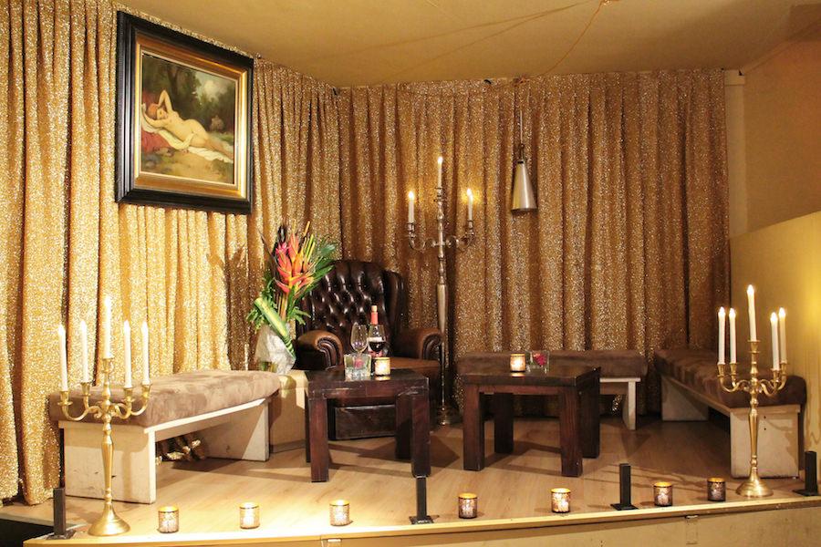 dinner oder party ihre weihnachtsfeier am isartor. Black Bedroom Furniture Sets. Home Design Ideas